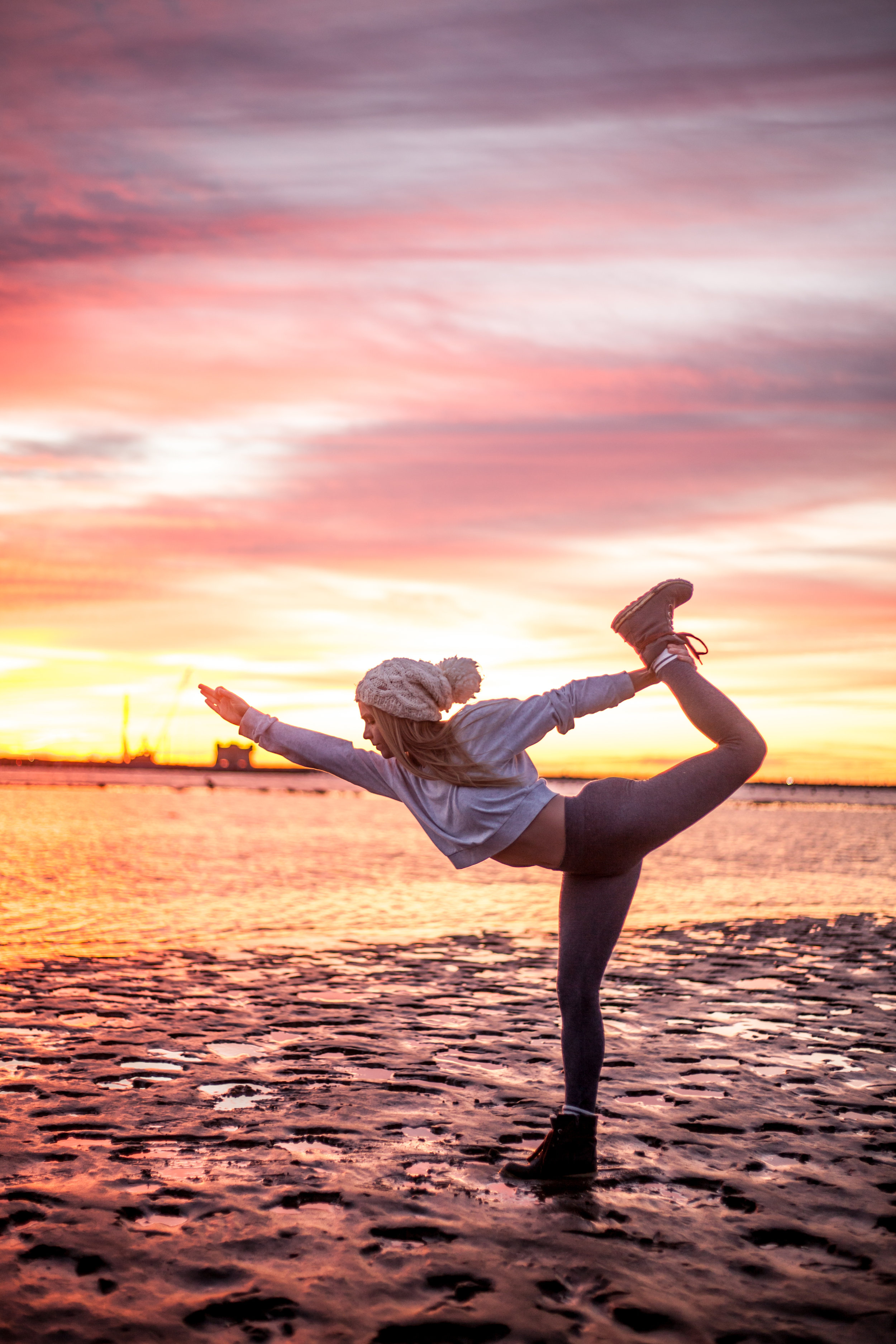 Megan - Sunrise Yoga-018.jpg