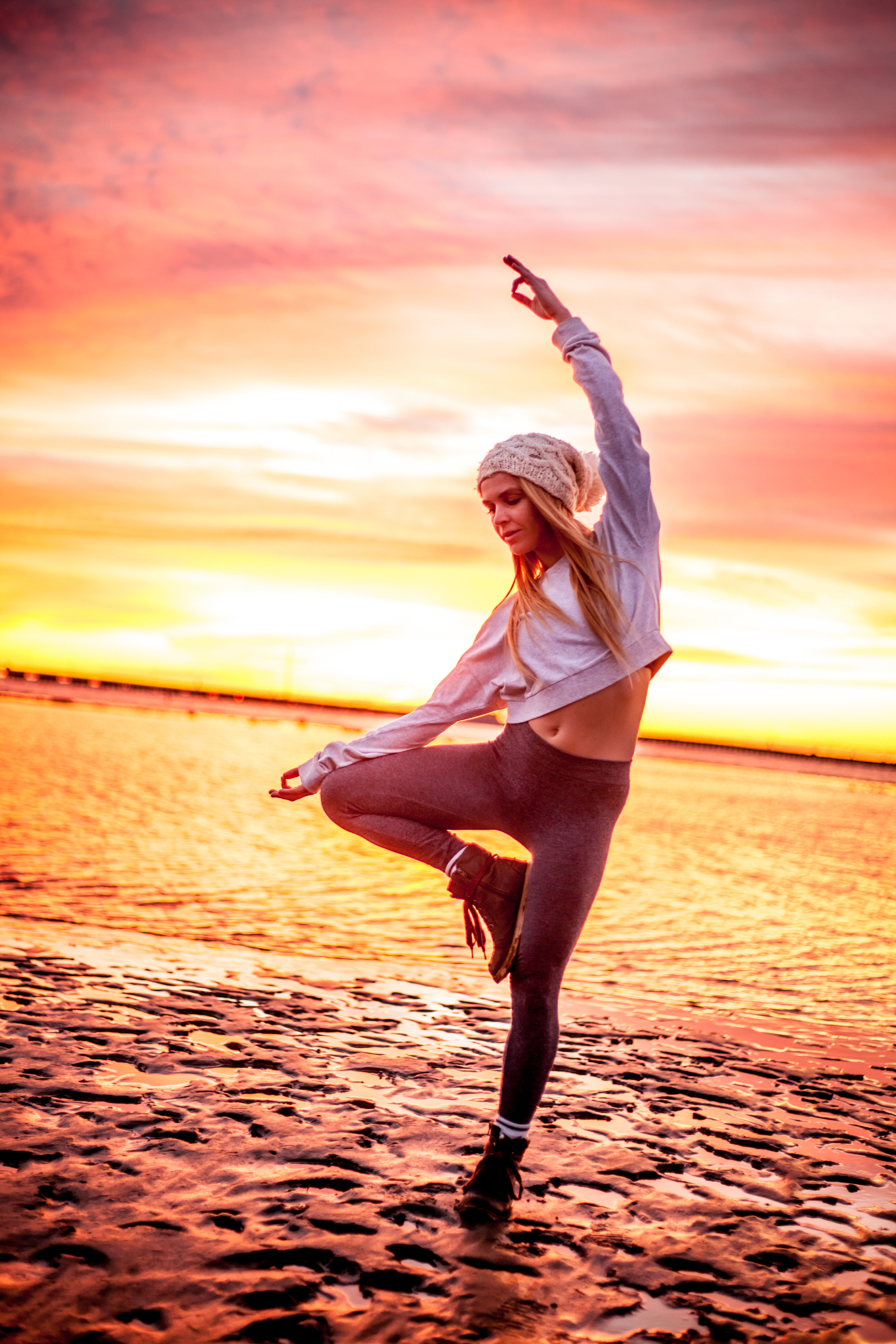 Megan - Sunrise Yoga-028.jpg