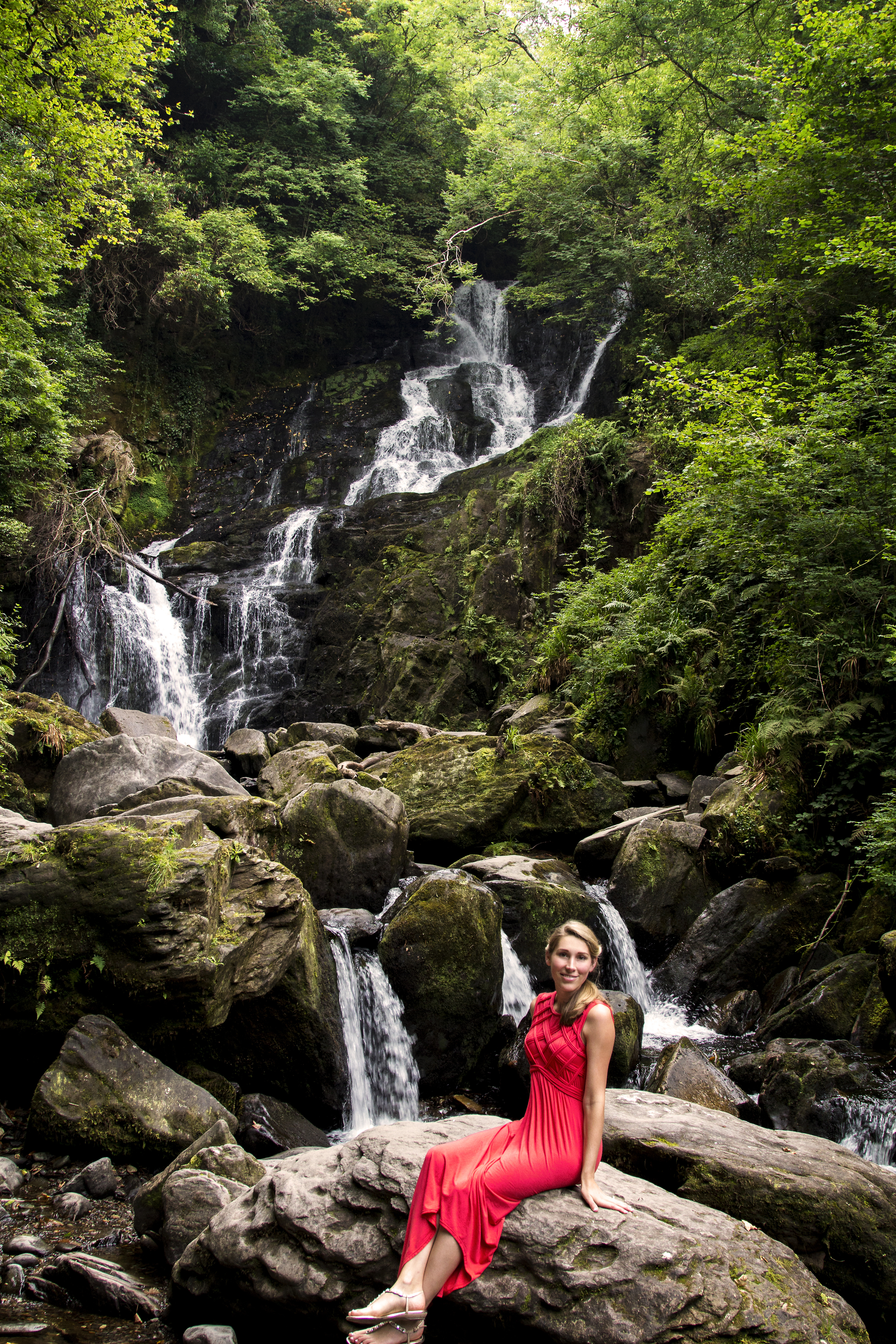 Ireland142_waterfall_m.jpg