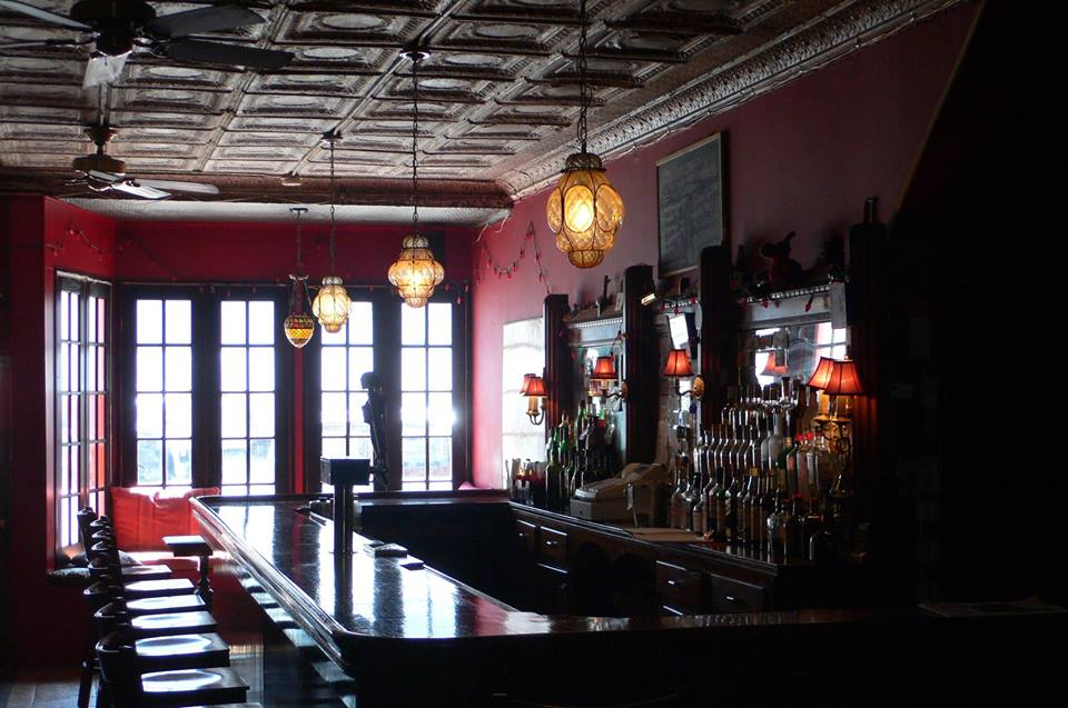Bar Sepia.