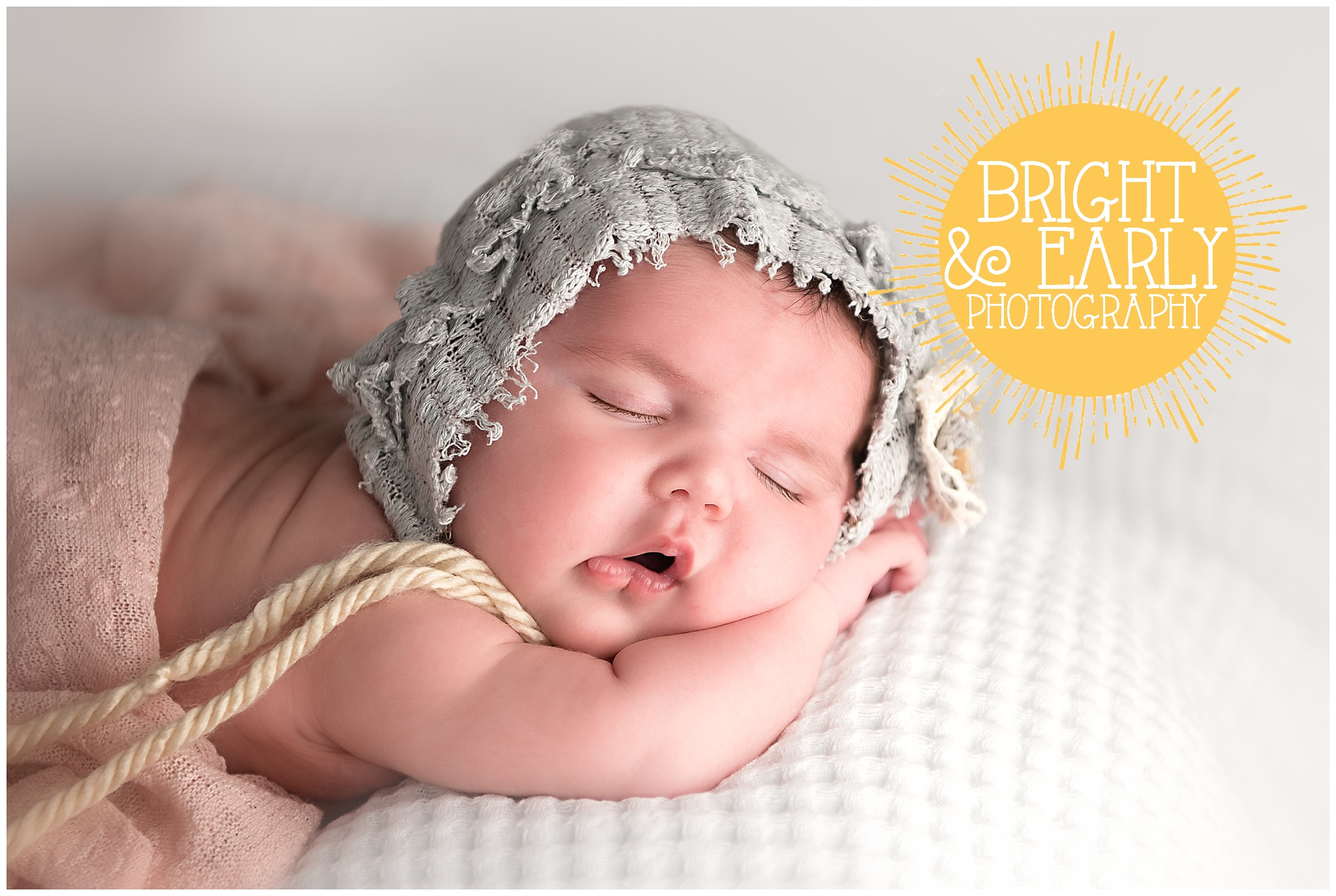newborn bonnet.jpg