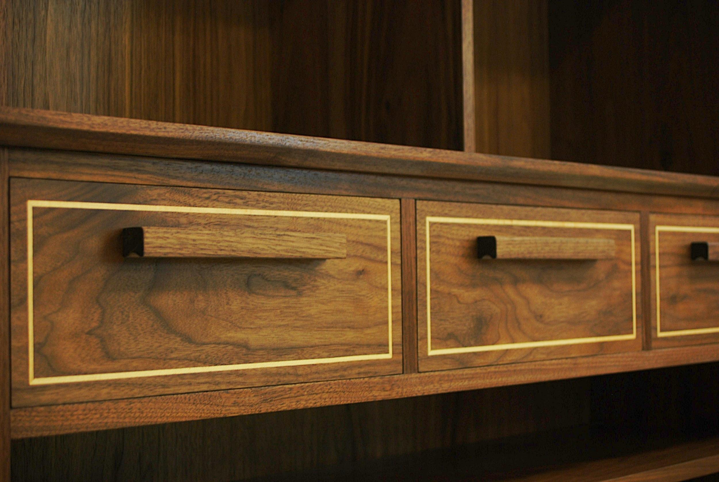 Bookcase-03.JPG