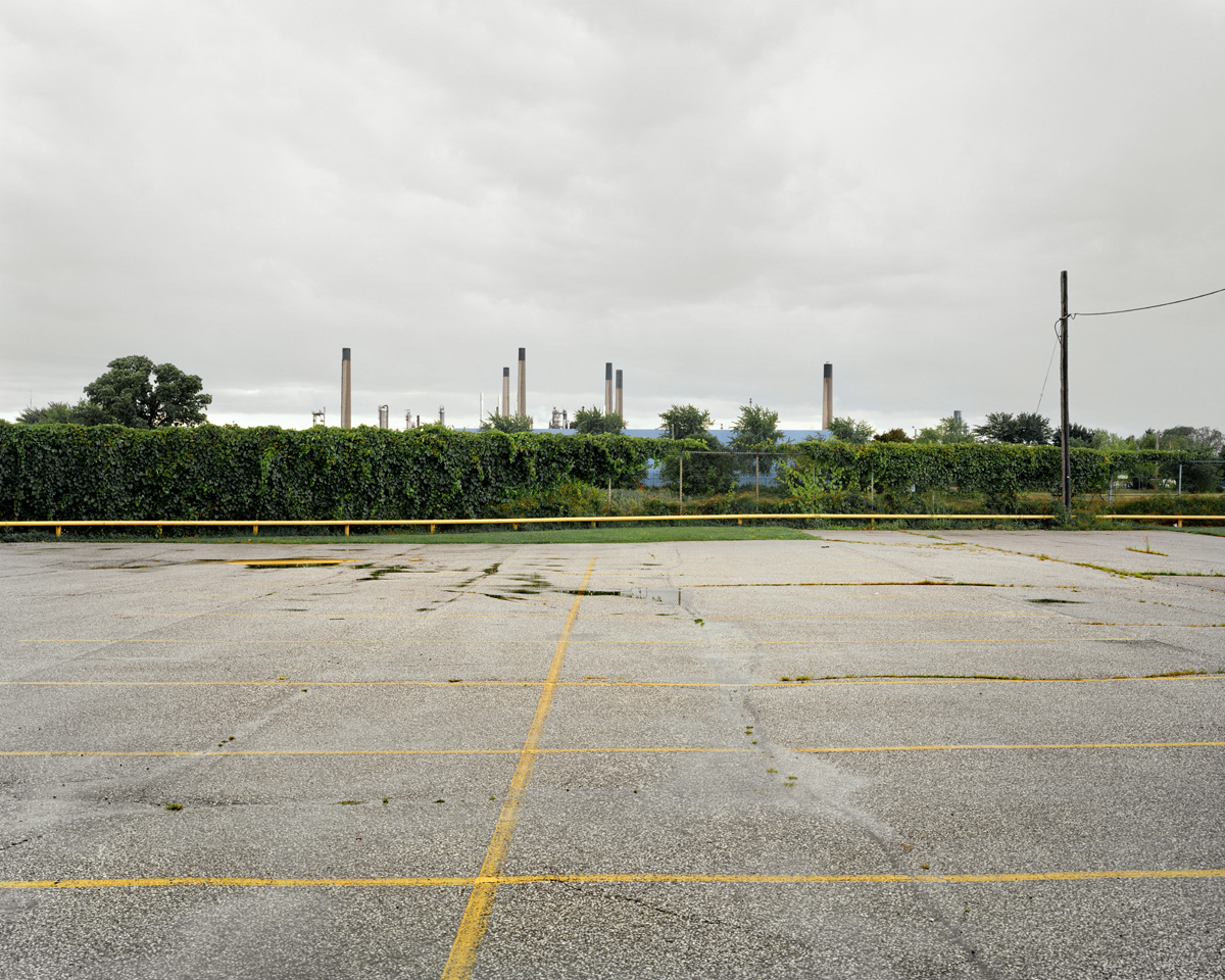 Parking lot, Imperial Oil Complex in the Background, 102 x 127 cm