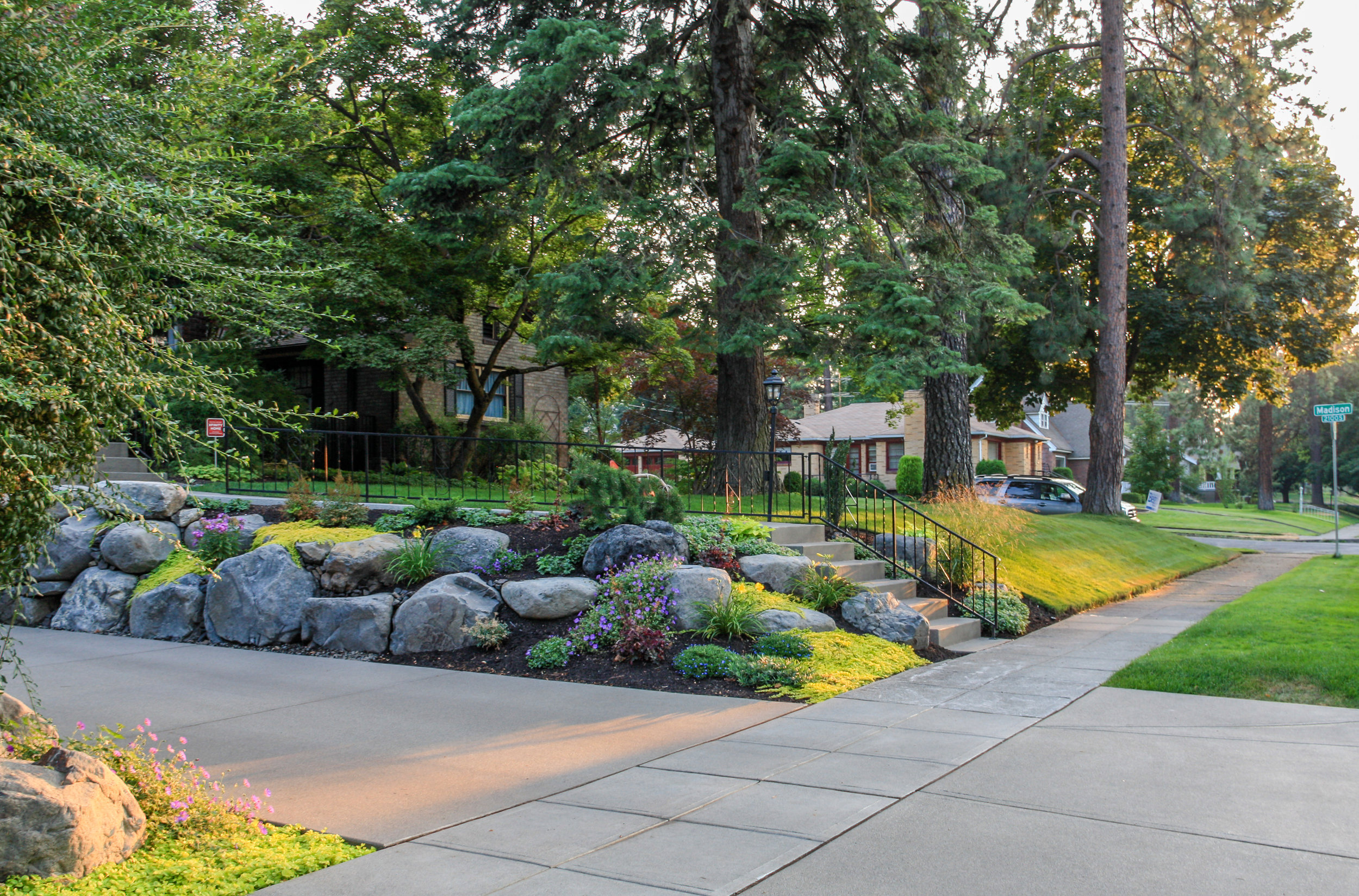 boulder retaining wall and landscaping on spokane south hill