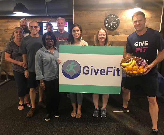 Excited to have a new #GiveFitStreamer location at @lakehouse_apts !!! Last night was the first of our weekly #freefitness meetups 💪