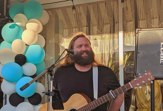 How I'm feeling after playing last night. Thanks to all who came by to listen, chat, and share their evening with me! Thanks again to @hobojaneboutique and @4thstreetlb for having me play! 📸: @tshack88 . . #feelinggood #livemusic #4thfridaysLB #visitlb #Thisislongbeach # #lbshows #singersongwriter #562 #indie #alternative #busking #retrorow #honesthorse #longbeachca #longbeach #california #lbmusic #lbc #4thstreetlb #streetmusic #acoustic