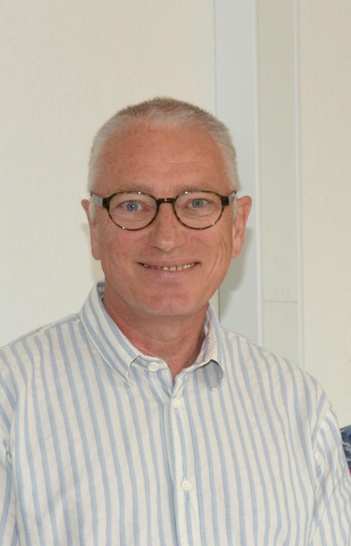 Lars Naver, Speciallæge i kirurgi og kirurgiske mave-tarmsygdomme