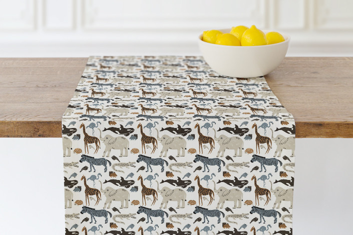 BethSchneider_WildAnimals_TableRunner.jpg