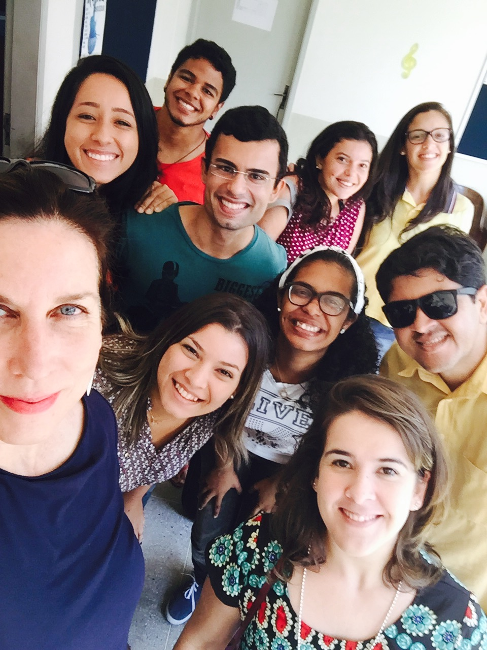 with viola participants and Professor Camila Meirelles