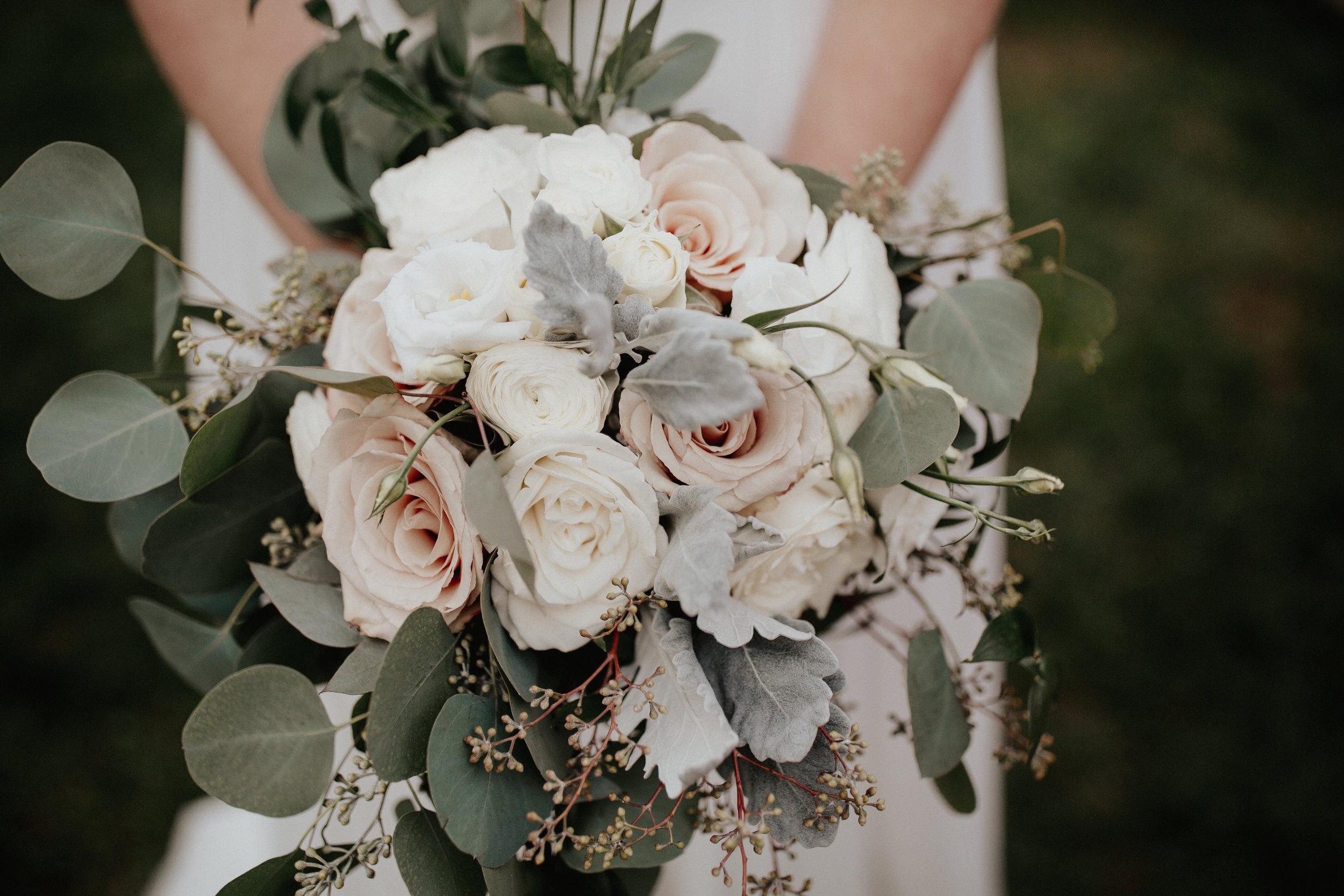 Florals & Decor -