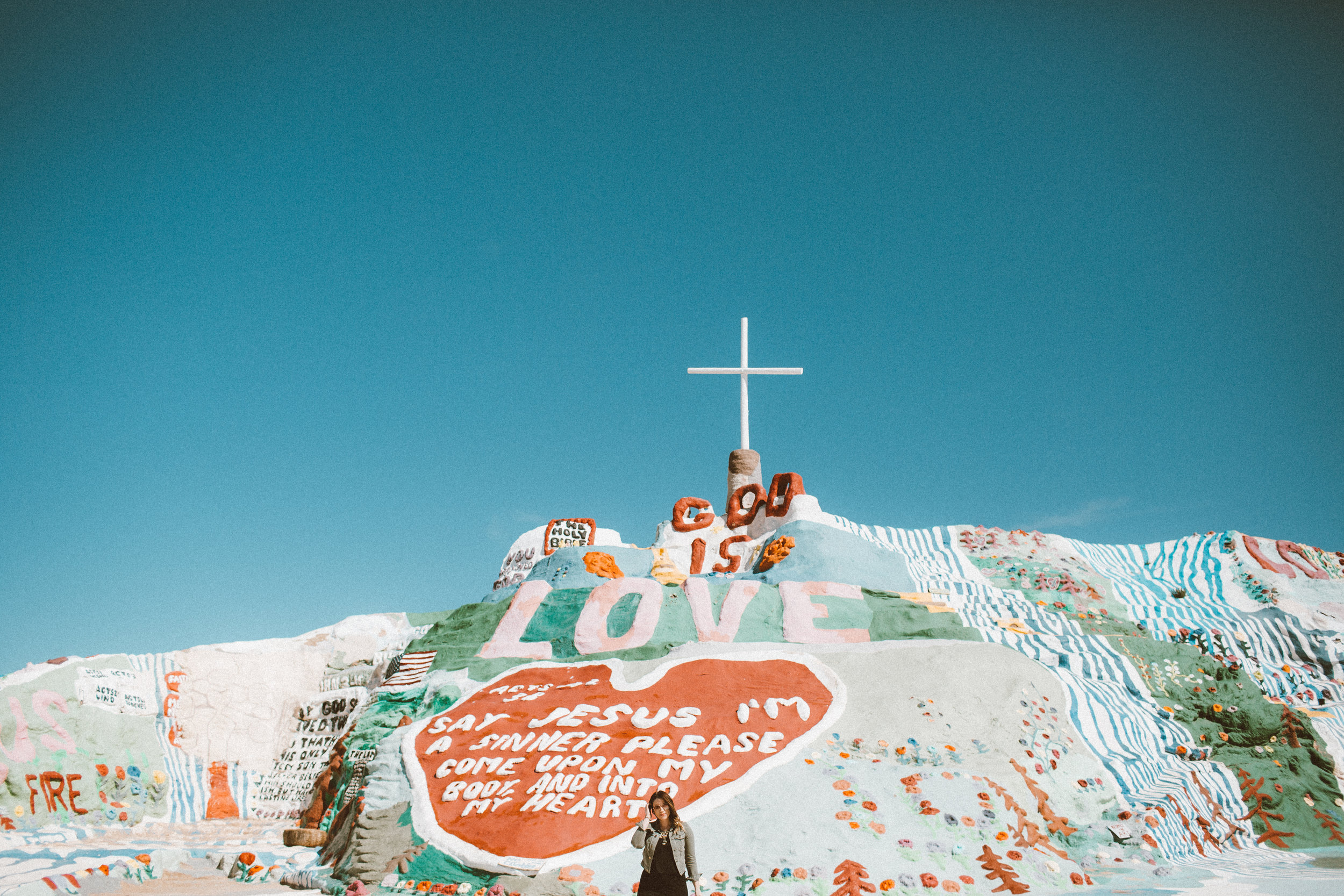 Christina Foret - Lifestyle Blogger - Salvation Mountain-14.jpg