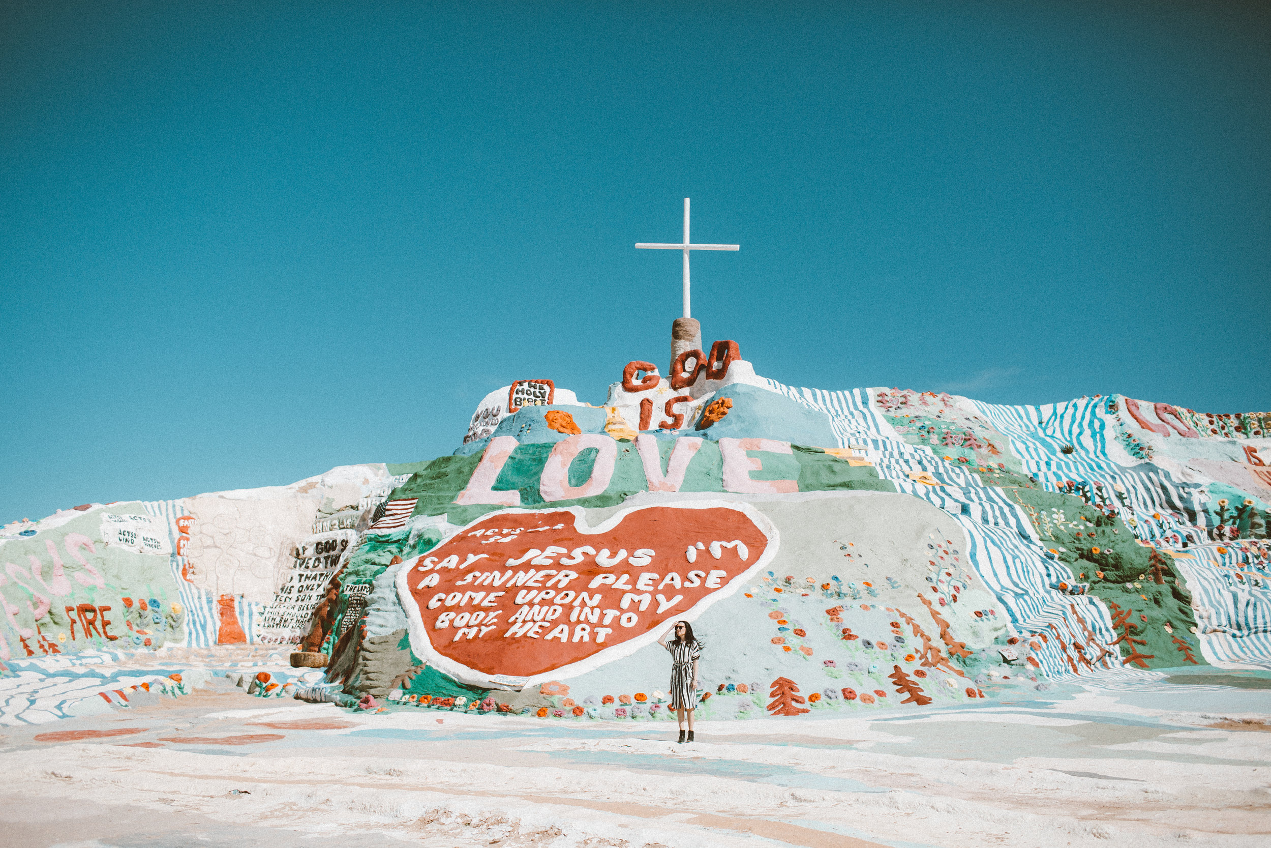 Christina Foret - Lifestyle Blogger - Salvation Mountain-23.jpg