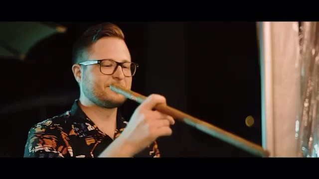 I don't know about you,  but I do believe the only item that compliments a pair of metallic red leggings is indeed the modest poncho🦄  Also just take a minute to appreciate the giant cigar Ryan's groomsmen organised for his wedding day - Canadians know what's up 🔥 Songs by @trevormenear & @soldierstorymusicgroup via @musicbed #musicbed