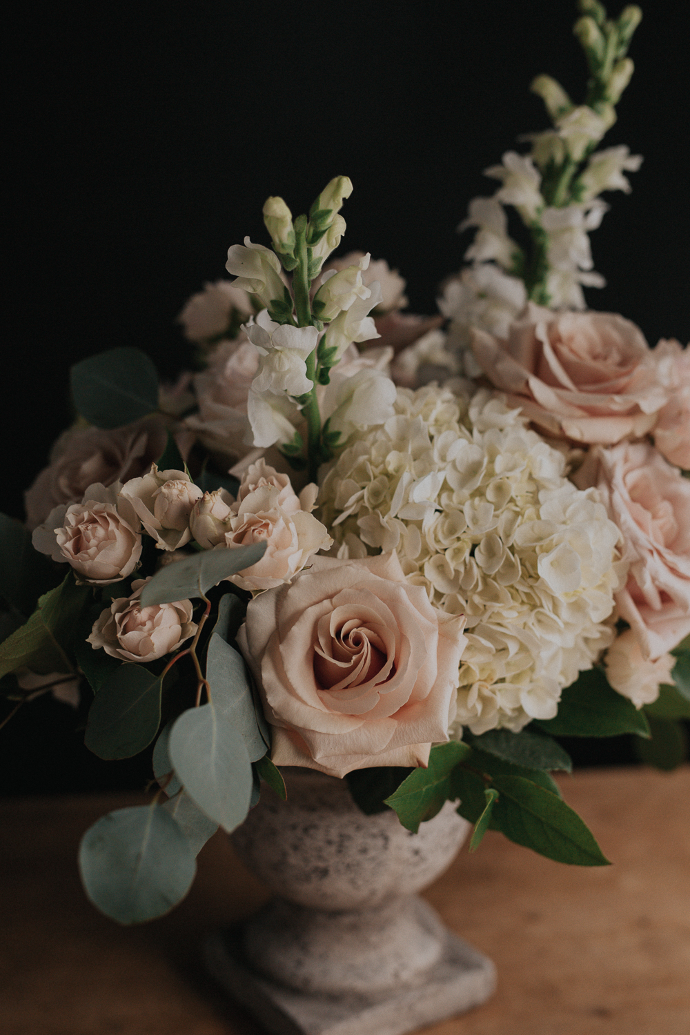 Wedding A La Cart - If you love our work, but are looking for a small collection, our A La Cart option is right for you. It's quick and simple. You choose the arrangements you want, we deliver them to your preferred location. Click here to view our designs.