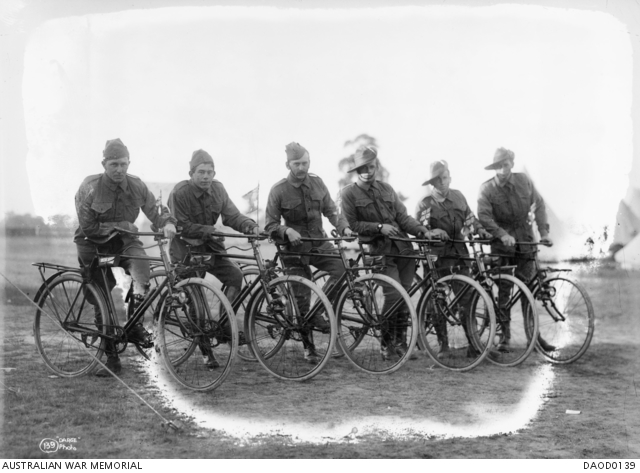 Victoria 1915; the Australian Cycling Corps