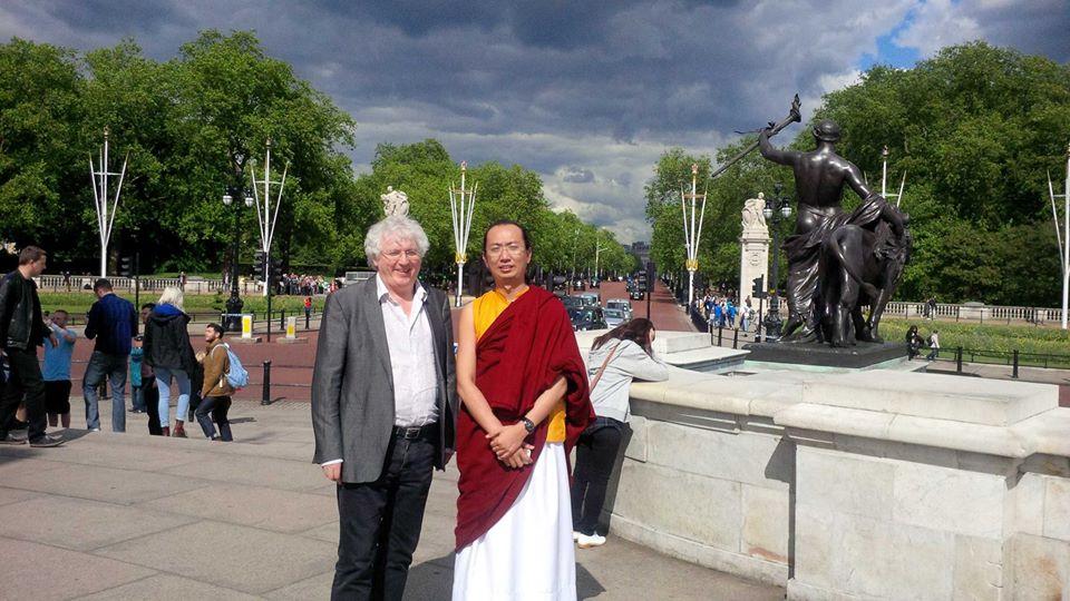 ratna-vajra-rinpoche-visits-london.jpg