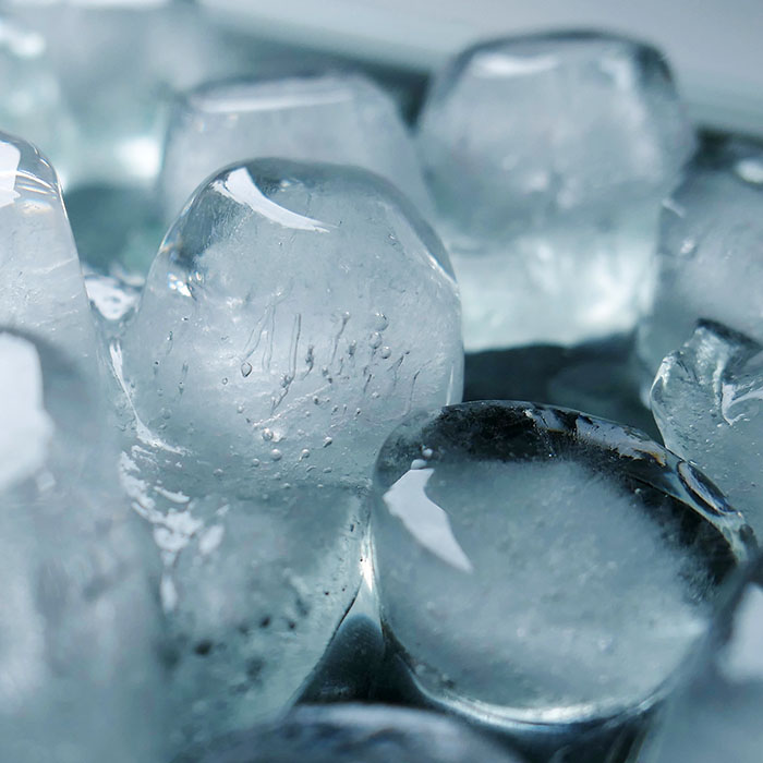 chewing ice_700.jpg