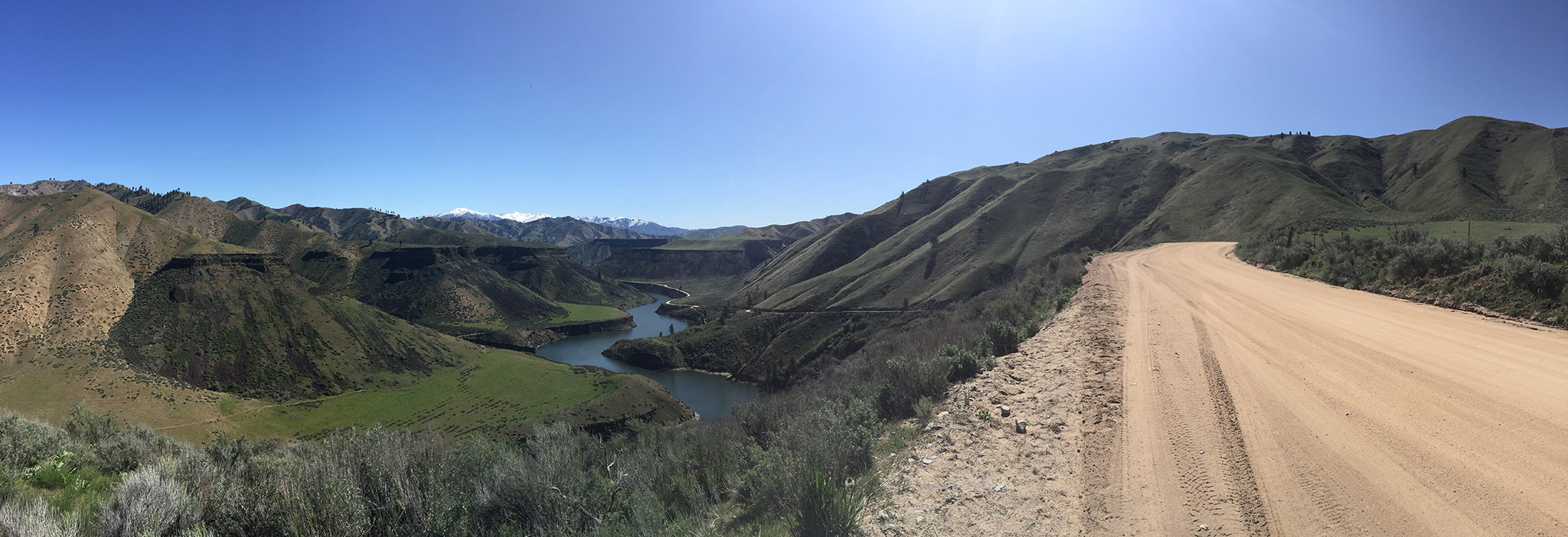 [Map Point 2]  After climbing to the canyon rim you are rewarded with this million-dollar, mini-Grand Canyon-like view of the South Fork of the Boise River. (Click on Image to Enlarge.)