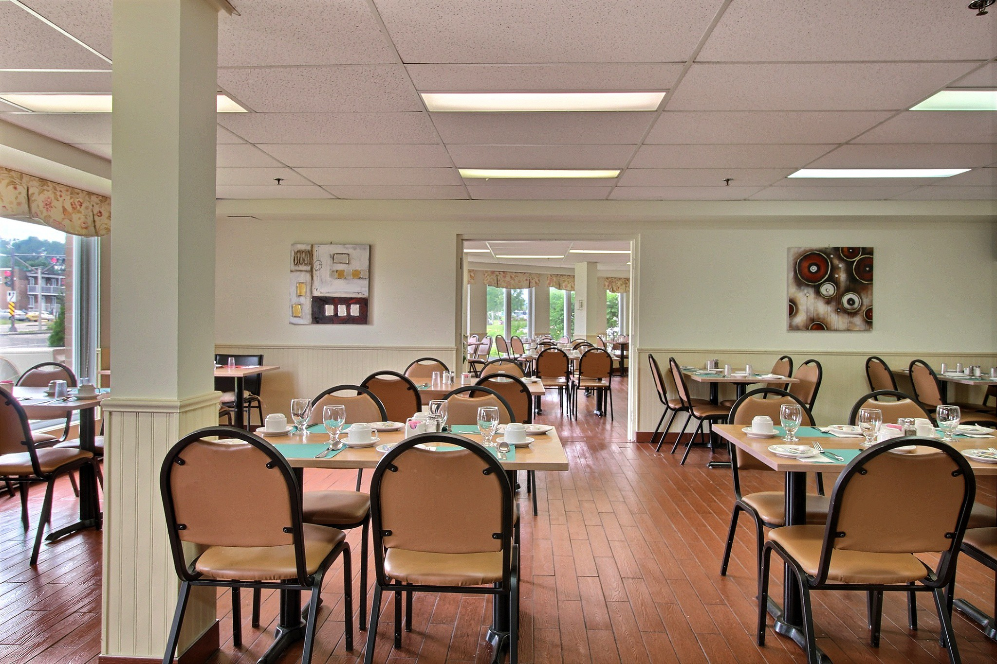 Salle à manger (2).jpg