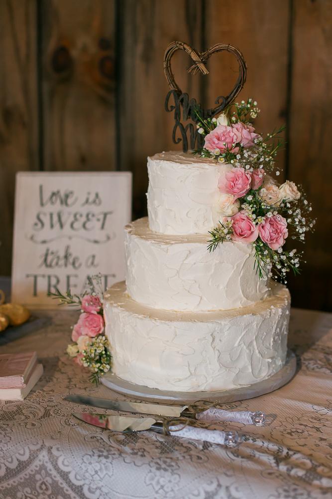 Kate-Alison-Photography-New-Hampshire-Barn-Wedding-36.JPG