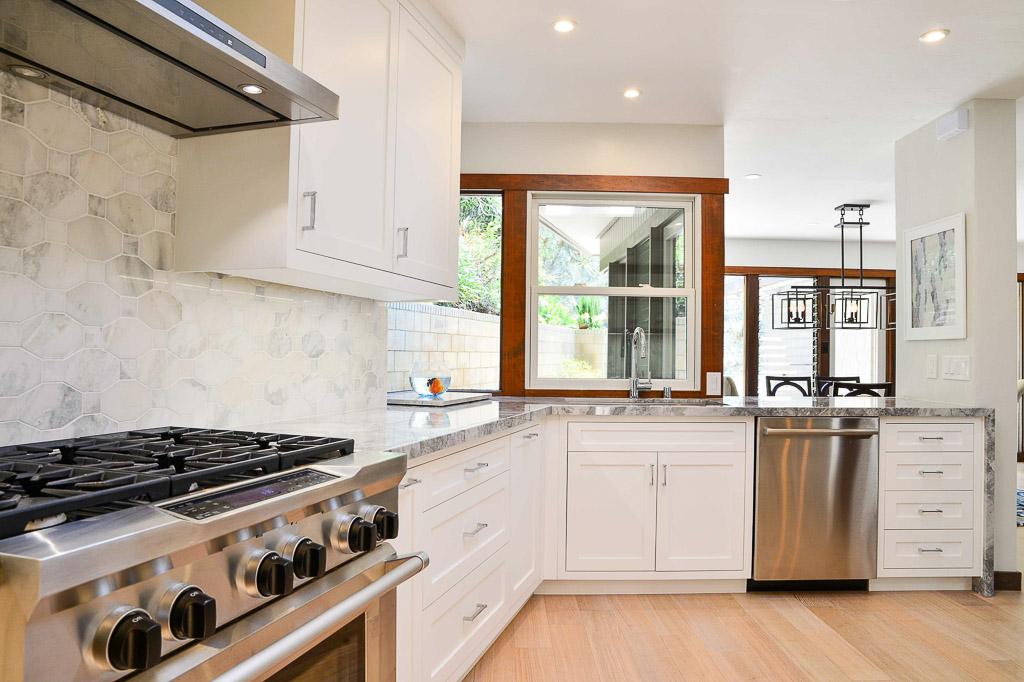 Del Mar Expansive Kitchen