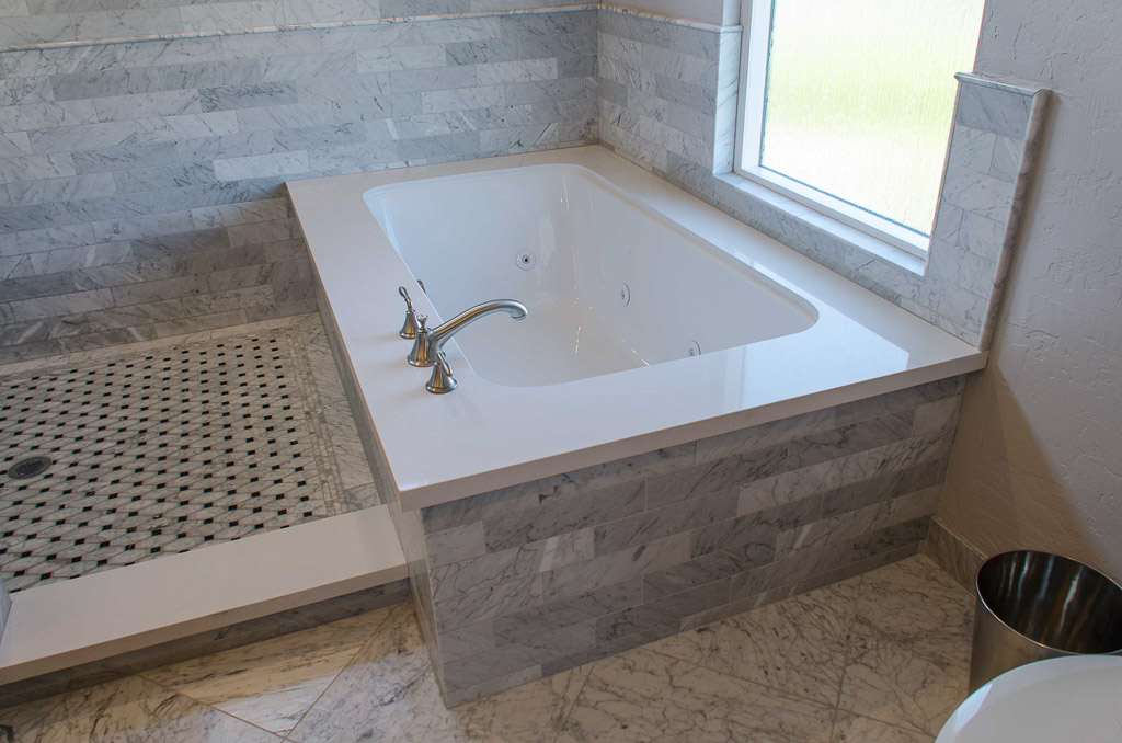 TaylorPro Highpoint Encinitas Carrera Bath Small-7.jpg