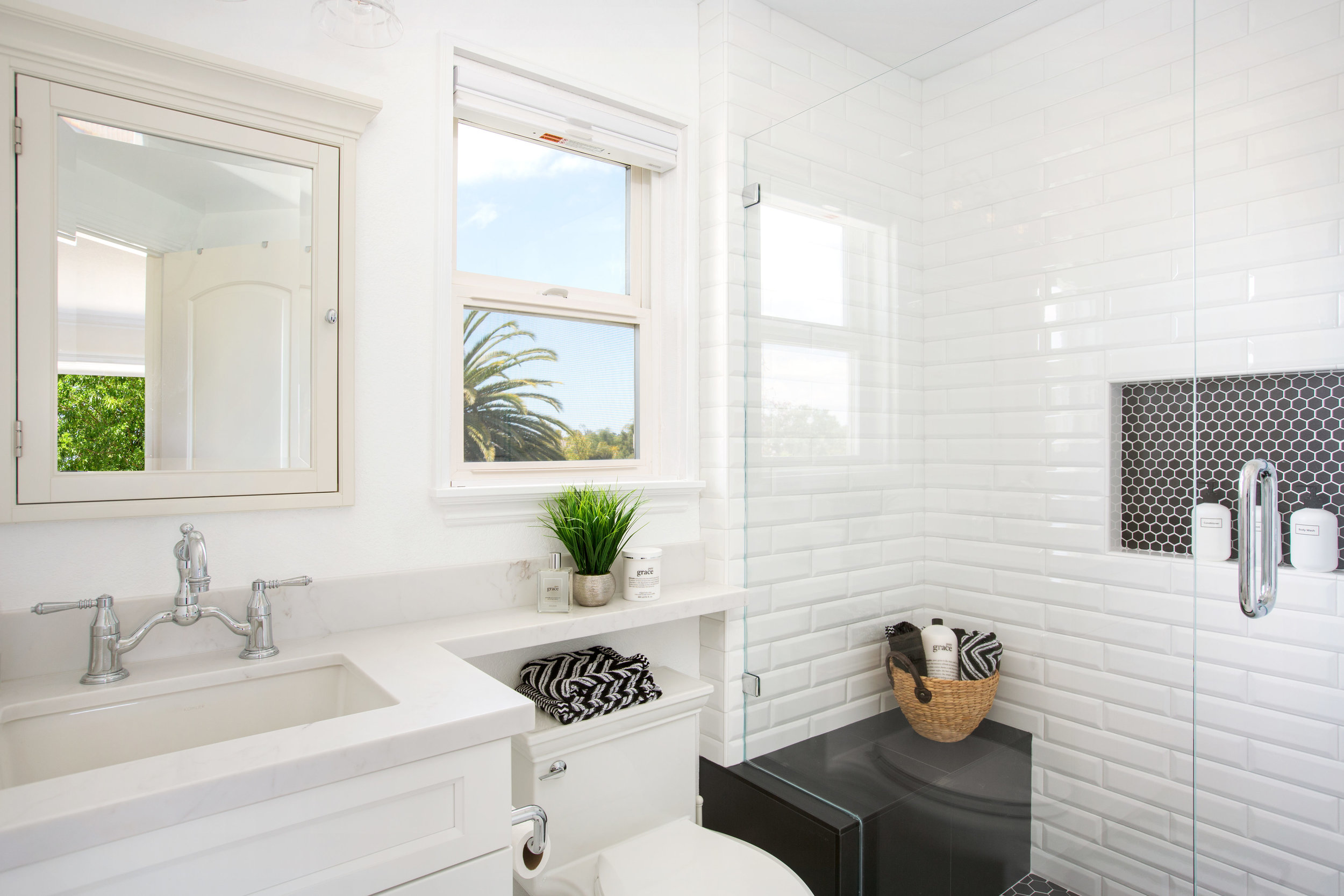 Carlsbad Black & White Master Bath