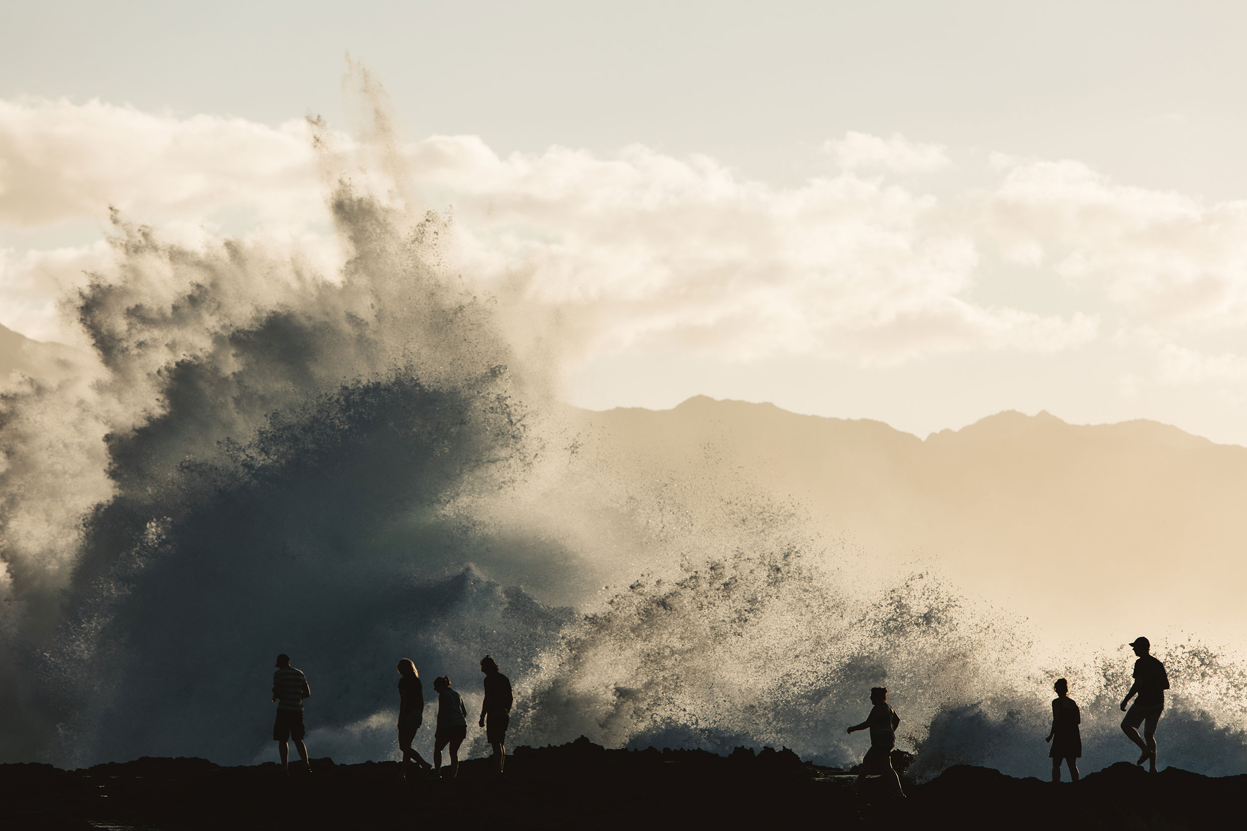 Huge breaking wave Oahu
