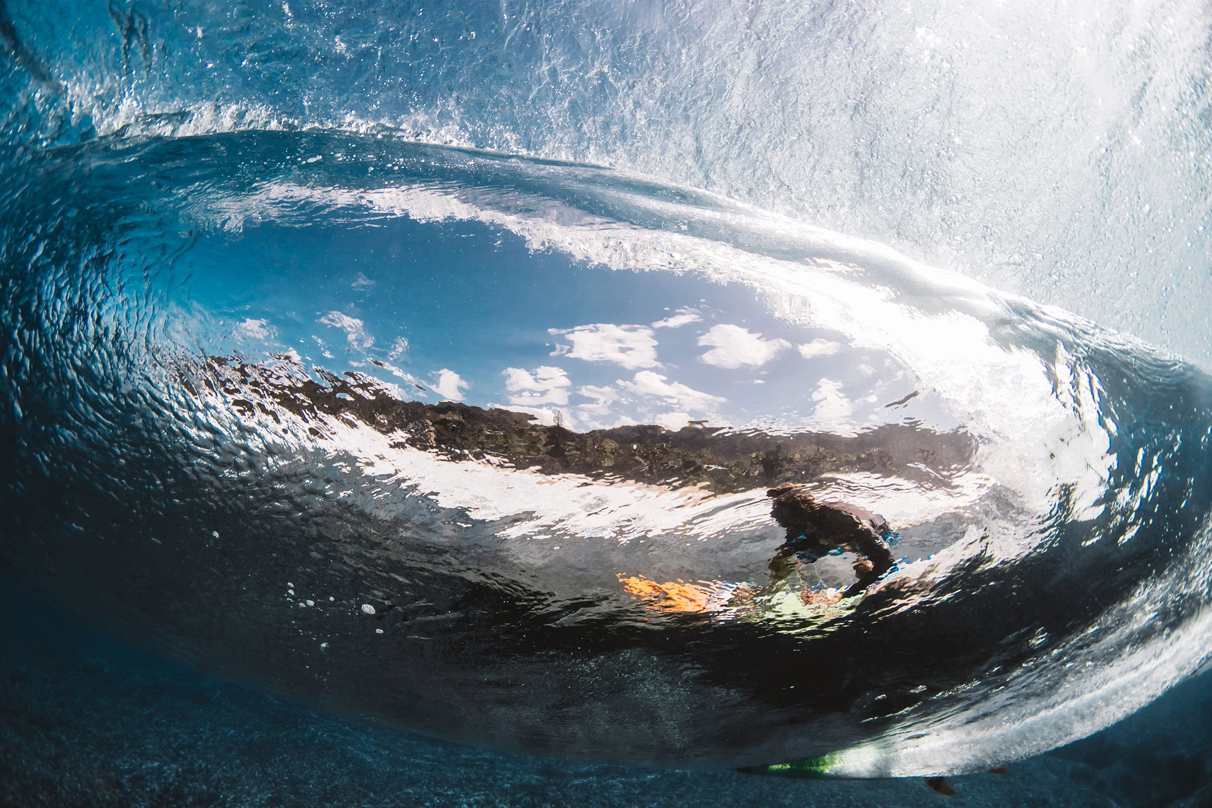 thought the wave at pipeline - matt porteous
