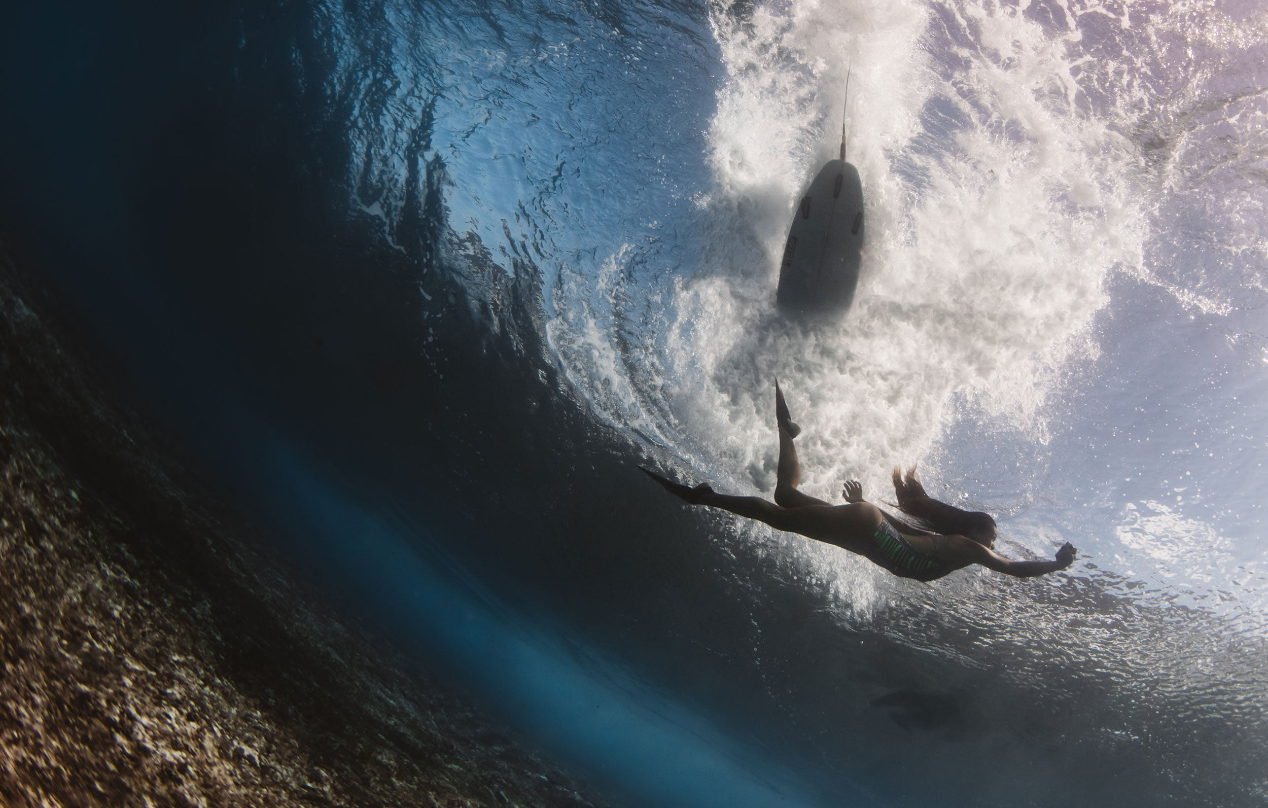 surfer and model pipeline - matt porteous