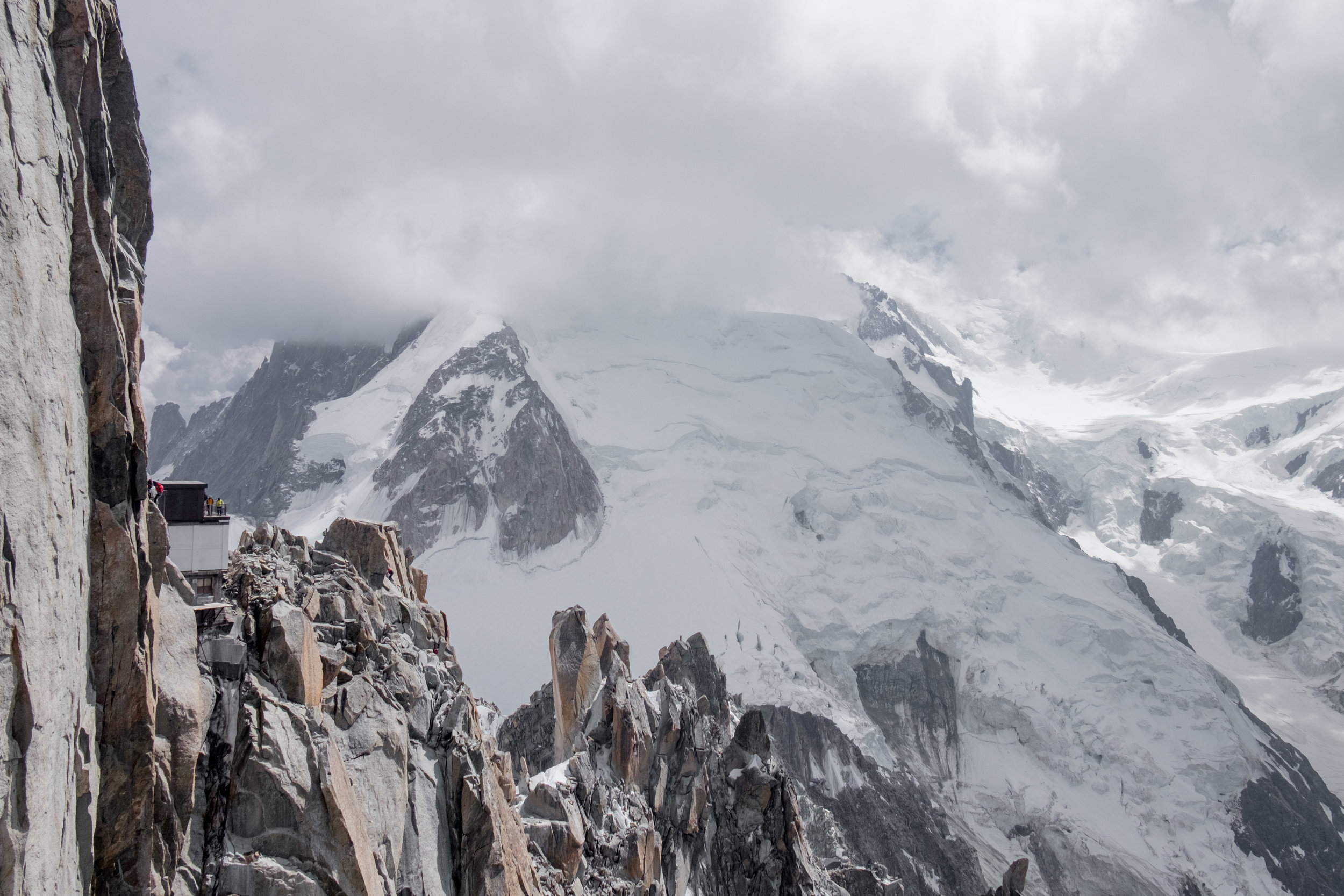 Looking back towards Cosmiques and Arete Laurence behind.