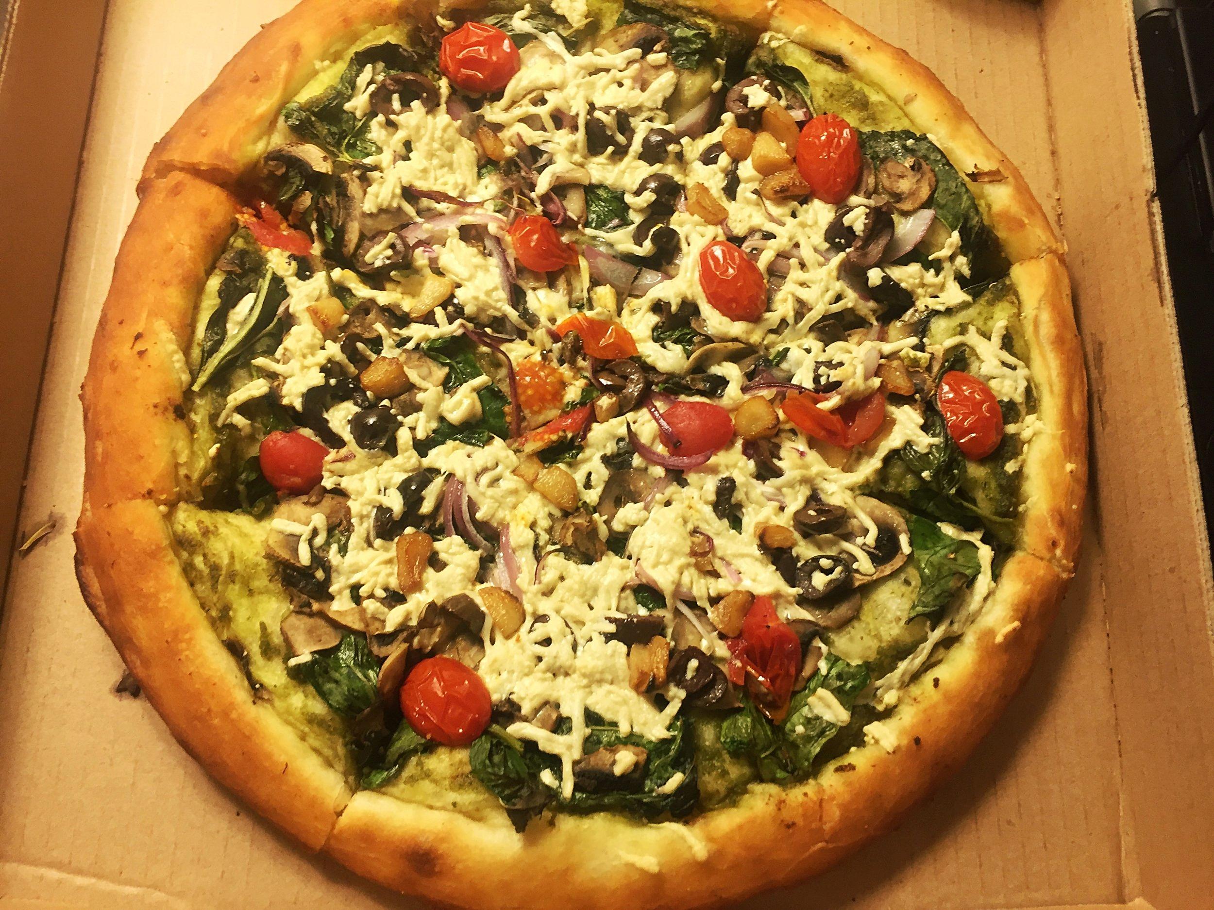 Vegan Philly Cheez Steak pizza
