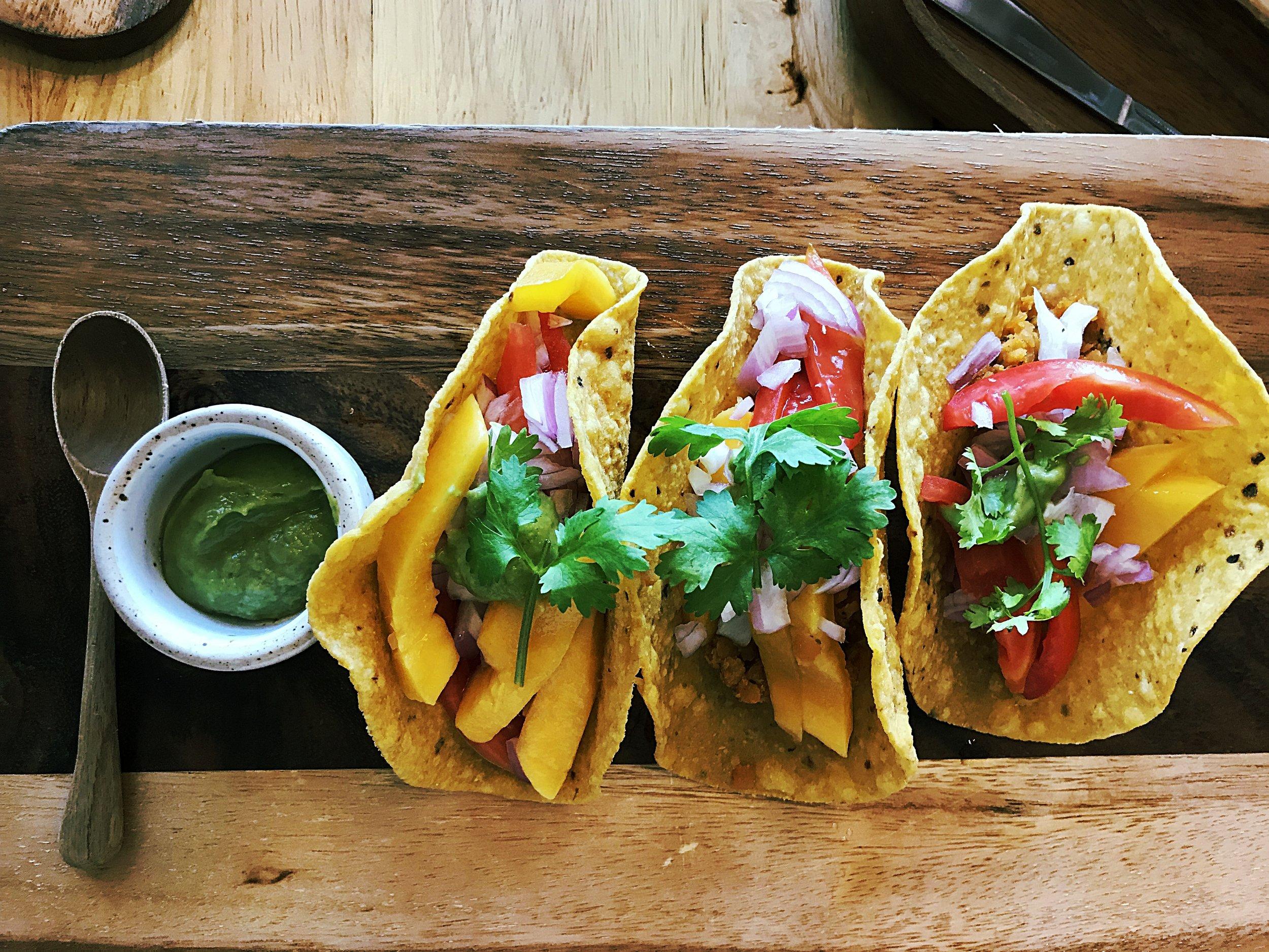 Lentil tacos with fresh mango