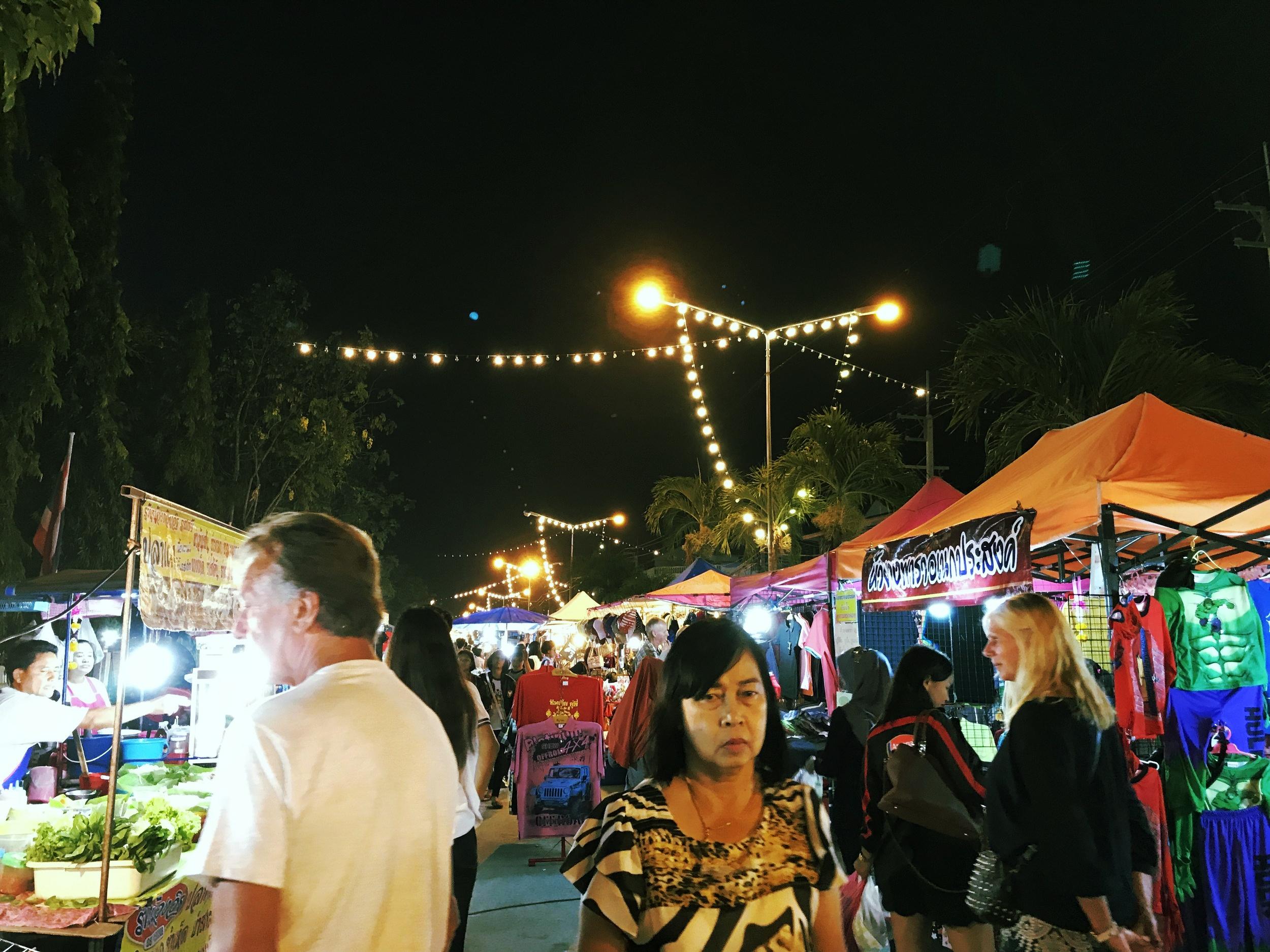Cha-Am Night Market