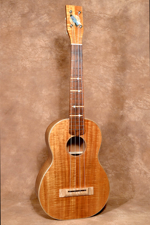 Golden Atomic Baritone 01_outlined_cleaned_web.png
