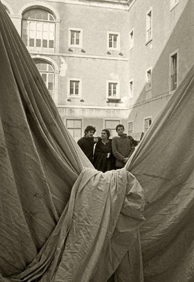 Luís Barreira  ESBAL, 1983  Pedro Cavalheiro, Catarina Baleiras e Mariano Piçarra  Fotografia  Gelatin-Silver Print  18x24 cm