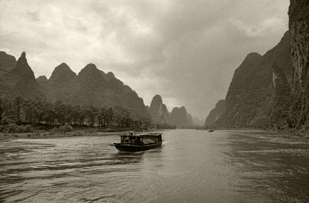 Luís Barreira   Li river, China, 1996  Fotografia  Gelatin-Silver Print