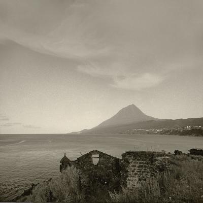 Luís Barreira  Ilha do Pico - Açores, 1995  Fotografia  Gelatin-Silver Print  serie:  arquivo:F_209_12357, 1995
