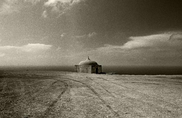 Luís Barreira   Capela de Nossa Senhora da Pedra da Mua, Sesimbra, 1997    Fotografia    Gelatin Silver print
