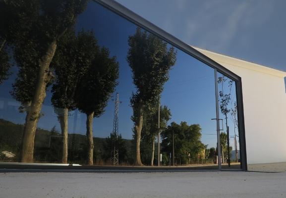 """Luís Barreira  alegoria, 2015  Vidago  serie: """" quando estas árvores se desnudam descobrem as minhas raízes """"  Fotografia  arquivo:09_4754, 2015"""