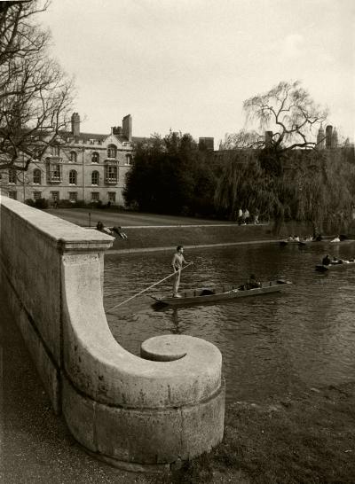 Luís Barreira  Cambridge, 1988  Fotografia  Gelatin Silver print  série:   street photography    arquivo:F_039_5078, 1988