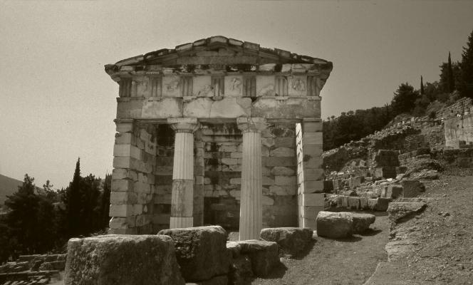Luís Barreira   Tesouro dos atenienses , Delfos, 1984  Grécia  Fotografia/Diapositivo  arquivo:SLIDE_Grecia_1470, 1984
