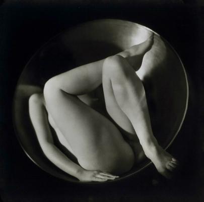 Ruth Bernhard,  In the Circle , 1934