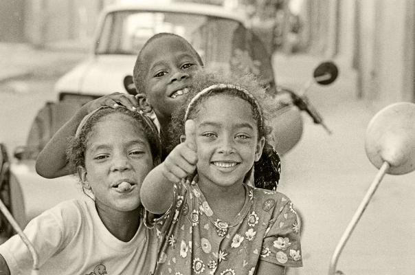 Luís Barreira  Havana, 1997  Fotografia  Gelatin Silver print  Série: CUBA'97  Exposição na Galeria Imargem - Almada, 1999  Publicação em Livro (Depósito Legal 144 759/99)  arquivo:F_312_7284, 1997