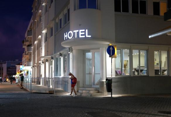 Luís Barreira  Hotel, 2017  Costa da Caparica  Série:  Fotografia  arquivo:08_28_DSCF2224, 2017