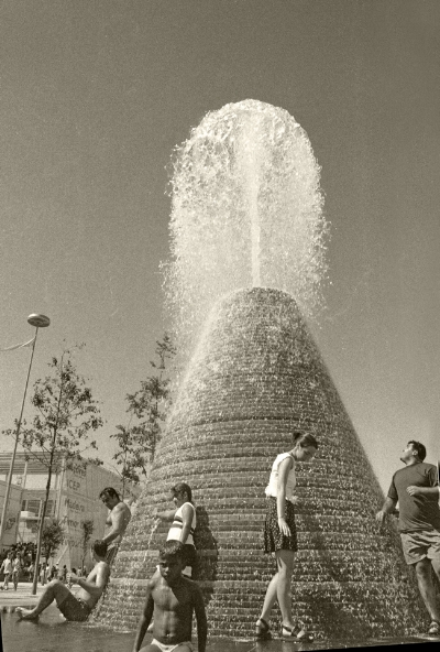 Luís Barreira  Expo'98  Lisboa, 1998  Série: no parque  Fotografia  arquivo:FOLIO_390_17112, 1998