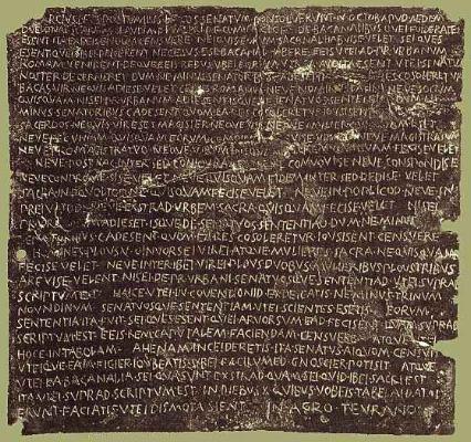 "Senatus consultum de Bacchanalibus   ""Decreto senatorial sobre as Bacanais""   Kunsthistorisches Museum de Viena."