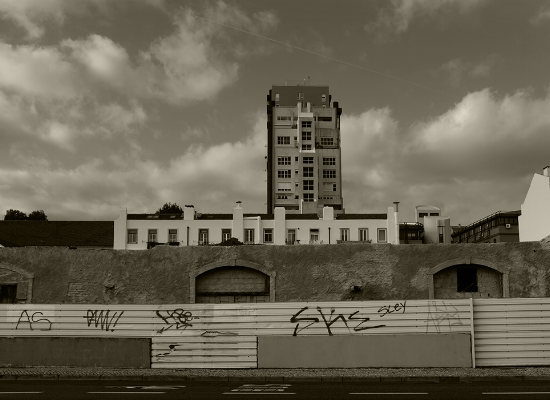 Luís Barreira  Cabo Ruivo, 2018  série: cityscapes  Fotografia  arquivo: 2018_01_01_DSCF4383