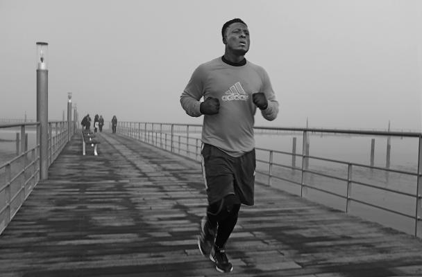 Luís Barreira  runner, 2018  Lisboa  série: no parque  Fotografia  arquivo: 2018_12_05_DSCF1108