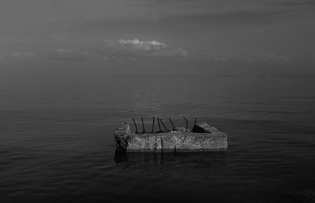 Luís Barreira  riverscape w/ cloud, 2019  Lisboa  série:  empty spaces   Fotografia  arquivo: 2019_02_20_DSCF1966